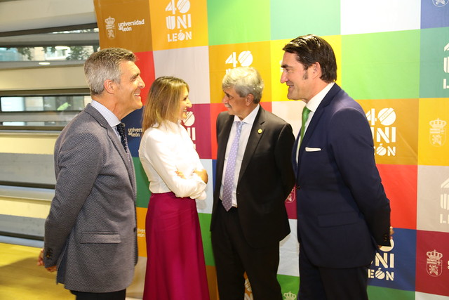 Presidente del Consejo Social, Consejera de Educación de la Junta de Castilla y León, Excelentísimo Señor Rector Magnífico y Consejero de Fomento y Medio Ambiente 1