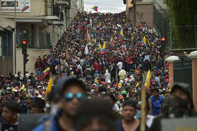 Diversos grupos aderiram às manifestações. A insurgência popular fez com que o presidente decretasse estado de exceção por dois meses - Créditos: Foto: Rodrigo Buendia/AFP