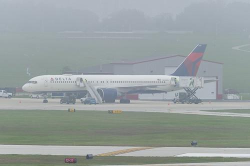Delta Air Lines Boeing 757-232 N650DL