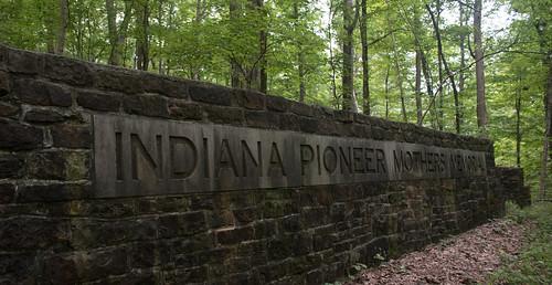 Paoli, IN / Indiana Pioneer Mothers' Memorial (#0297)