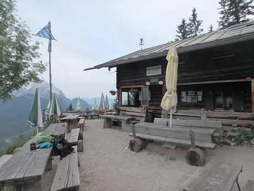 Brunnsteinhütte am Morgen