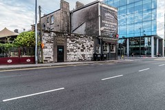 THE SEXTANT PUB AND THE BACK DOOR AS IT WAS IN JULY 2017 [CLOSED IN 2019]-157271