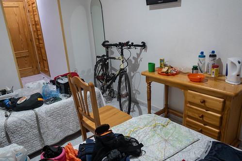 365\272 Hostal room, Bejar