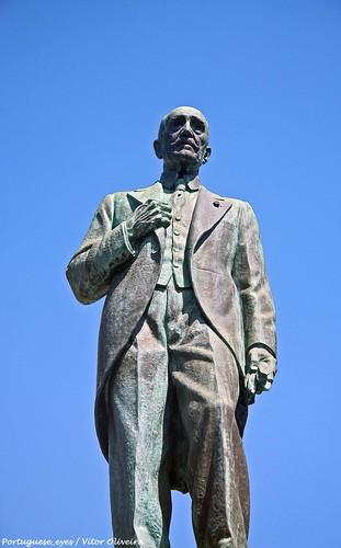 Monumento ao Conde António Dias Garcia - São João da Madeira - Portugal 🇵🇹
