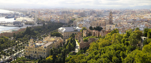 Picturesque, elegantly landscaped gardens in the historic Málaga