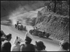 Ted Gray in his Alfa Romeo Ford in front of Frank Kleinig in a Hudson Eight Special, Grand Prix Bathurst, October 1946