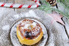 Bratapfel, snow on baked apples for Christmas