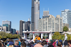 Guided tour on the Chicago River with a Shoreline Sightseeing boat