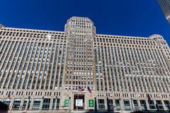 """Der Merchandise Mart in Chicago wurde zur Zeit seiner Eröffnung als eine """"Stadt in der Stadt"""" entworfen"""