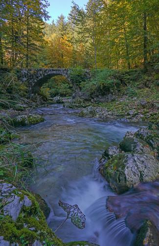 2019-10-13 (03) Gorges du Guiers Mort. Pont de la Tannerie (XVIIe siècle)