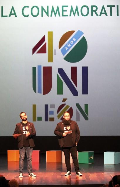Los presentadores de la Gala, David Fernández y Rubén Ochoa