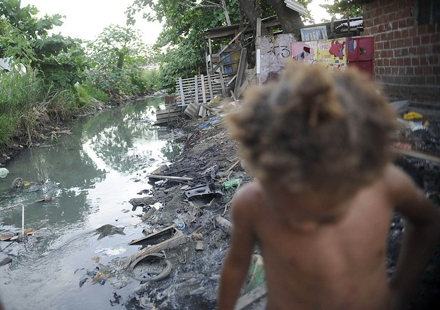 Brasil, país que já figura na lista das 15 nações mais desiguais do mundo, alargou ainda mais o fosso entre a elite e as camadas pobres - Créditos: Foto: Fernando Frazão/Agência Brasil