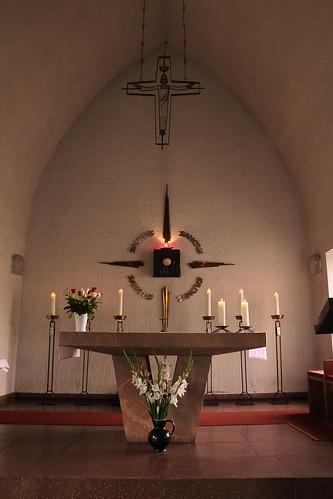 Tangerhütte, Kirche St. Elisabeth, Altarrraum