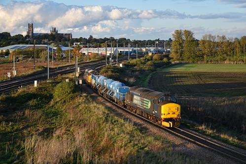 37405 + 37401 - Ely Dock Junction - 17/10/19.
