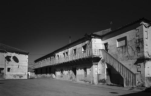 Espinosa del Henares, viviendas abandonadas.