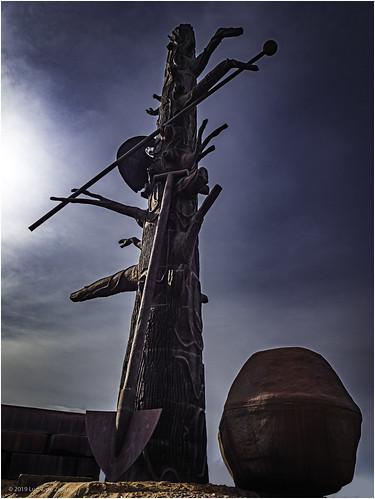 Cast steel sculpture Elbquelle