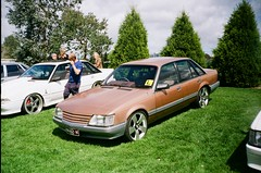 Holden Commodore Berlina (VK) (photo 2)