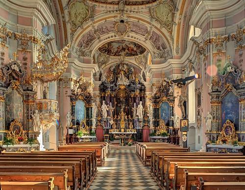 Götzens Pfarrkirche zu den Aposteln Peter und Paul