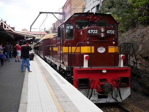 LVR's 4702 at Lithgow, NSW