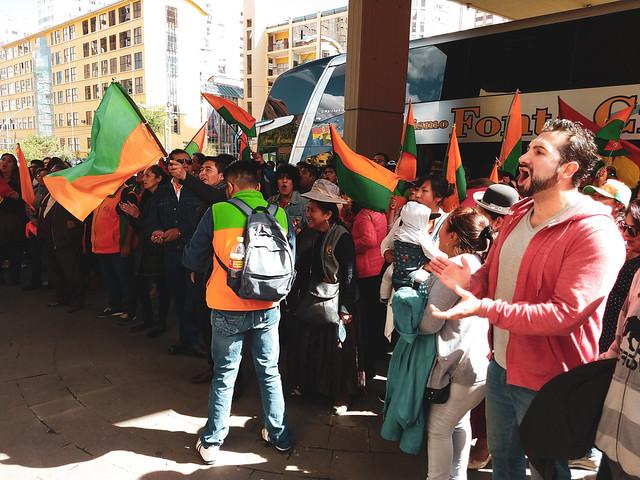 Liderada por Mesa, oposição boliviana diz que não aceitará derrota em primeiro turno