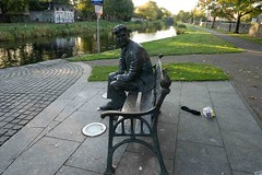 BRENDAN BEHAN MEMORIAL BY JOHN COLL [PHOTOGRAPHED AT BINNS BRIDGE]-1574513