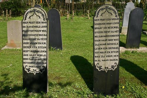Groningen: Loppersum gravestones