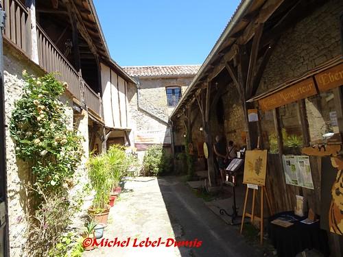 Monpazier - Atelier d'Art (Marqueterie Contemporaine et Traditionnelle )