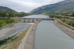 Saint Lazare dam on the Durance River, France - Photo of Entrepierres