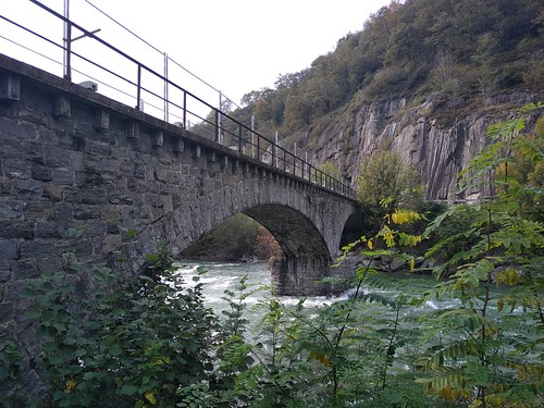 Ancien pont ferroviaire de Roveredo, de la ligne Bellinzona - Mesocco (1907-1972)