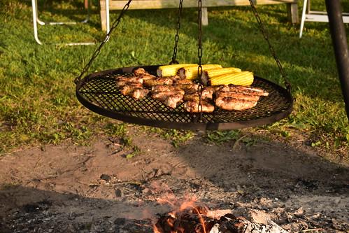 BBQ on open fire