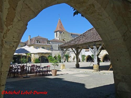 La Bastide de Monpazier - Place des Cornières (2)