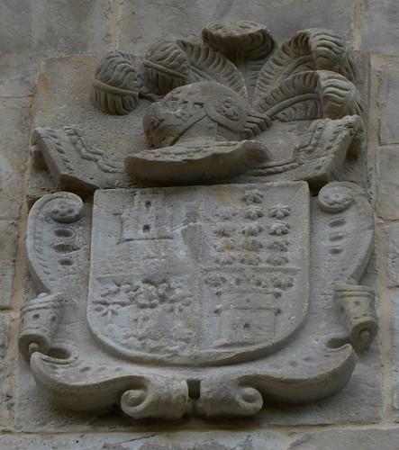 Santullán (Castro Urdiales-Cantabria-España), Casona solariega. Escudo