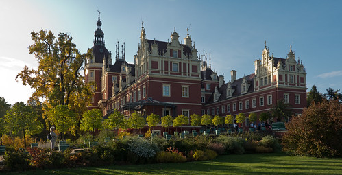 Muskau palace in the evening light 2
