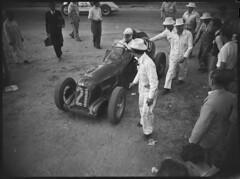 Alf Najar in an MG TB racing car, Grand Prix, Bathurst, October 1946