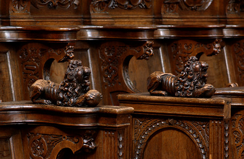 Veurne, West-Vlaanderen, St.-Walburgakerk, choir, stalls, lions