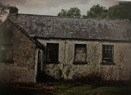 Two old school houses abandoned in the Burren. 🚸