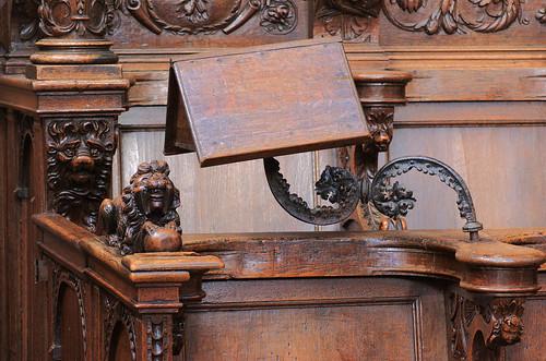 Veurne, West-Vlaanderen, St.-Walburgakerk, choir, stalls, lectern & lions