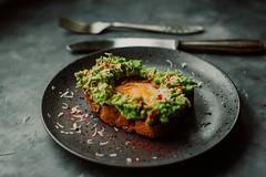 Avocado bread cuisine - Credit to https://homegets.com/