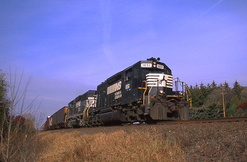 NS 1651 on CN - 10/24/2003