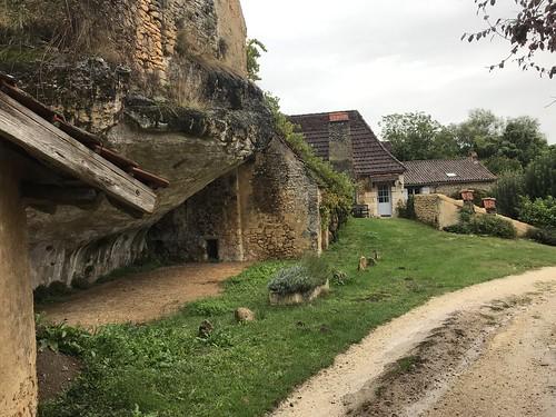 Maisons troglodytes du Peuch