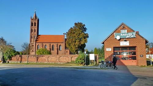 20111101 Brandenburg Molkenberg 'Havel Radweg' 'Rathenow zur Havelmündung' Kirche (2)