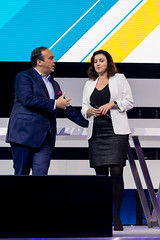 Hagen Rickmann begrüßt Staatsministerin für Digitalisierung Dorothee Bär in seiner Rolle als Schirmherr des Digital X Events in Köln