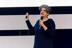 Shermine Voshmgir holds a keynote speech at Digital X in Cologne