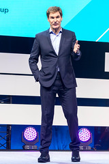 Carsten Maschmeyer hält eine Rede auf der Digital X in Köln