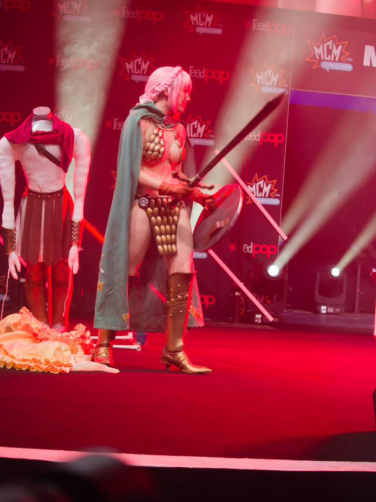 related image - Sunday Masquerade & Cosplay Contest - MCM London Comic Con -2019-10-26- P1899840