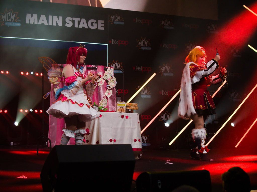 related image - Sunday Masquerade & Cosplay Contest - MCM London Comic Con -2019-10-26- P1899906