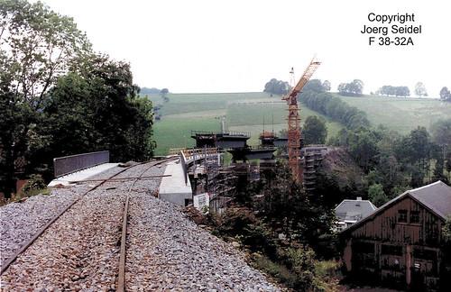 DE-09465 Cranzahl Bahnstrecke Annaberg-Vejprty (CZ) Neubau des Cranzahler Viaduktes im Juli 1992