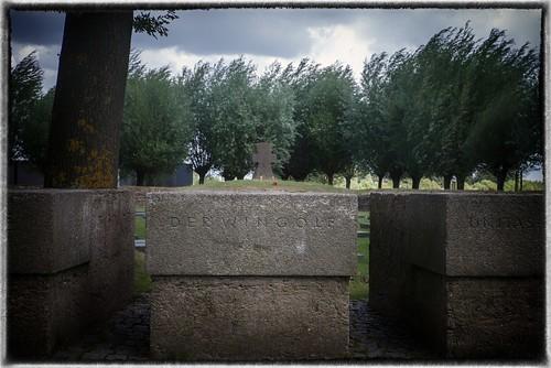 Wingolf Kriegsgräbergedenkstätte 1. Weltkrieg  in Langemark