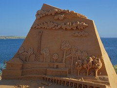 Streaky Bay. A sand sculpture on the esplanade.