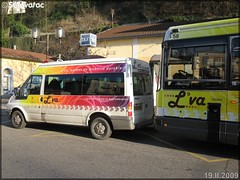 Ford Transit – Vienne Mobilités (Transdev) / L'va (Lignes de Vienne et Agglomération) & Renault R 312 – Vienne Mobilités (Transdev) / L'va (Lignes de Vienne et Agglomération) n°56